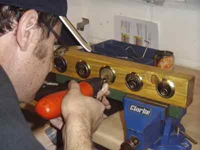 Uk Locksmith Training Course – Picking open a Rim